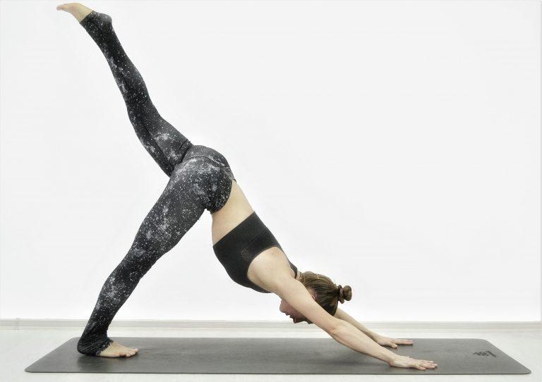 Детокс йога помогает похудеть, провести очищение и омоложение организма