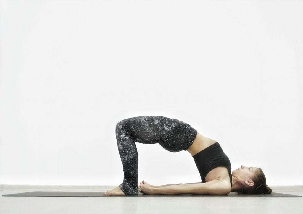 Детокс-йога для похудения, очищения, омоложения. Поза моста.